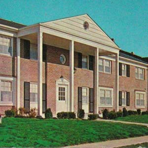 Essexshire Gate Apartments postcard